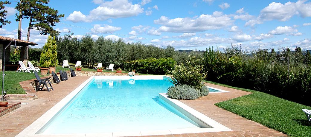 Tuscany farmhouse tuscany italy farmhouse accommodation in - Agriturismo toscana bambini piscina coperta ...